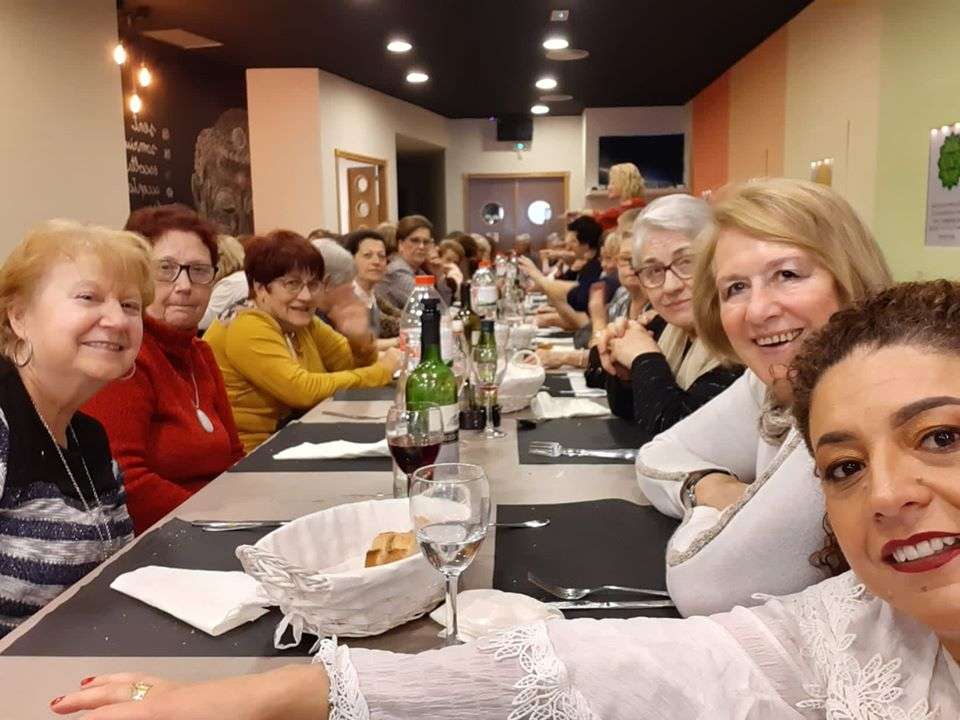 Apadoc al dinar de Nadal del 2019